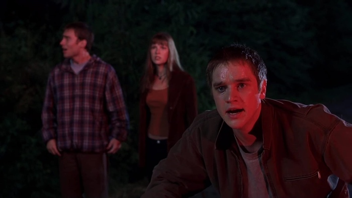 Alex distressed after another Death attack in Final Destination 2000