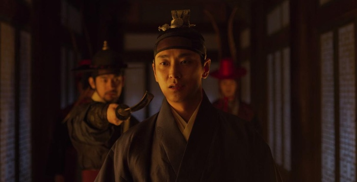 Crown Prince Lee Chang is threatened in Kingdom season 1