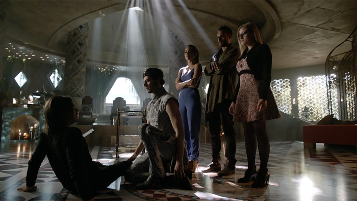 Quentin, Eliot, Margo, Penny and Alice in Whitespire in Fillory in The Magicians season 2