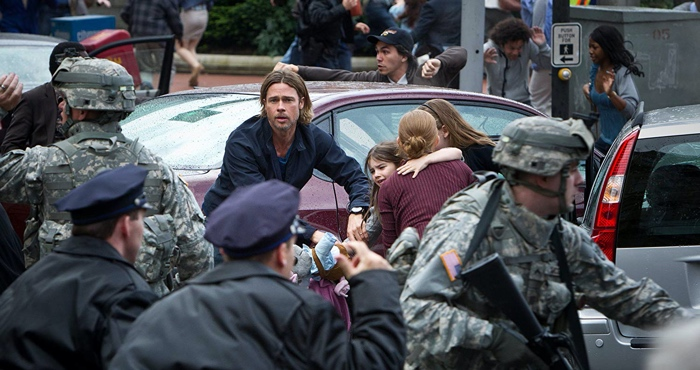 Gerry Lane and his family on the street in the middle of the chaos outbreak in World War Z 2013
