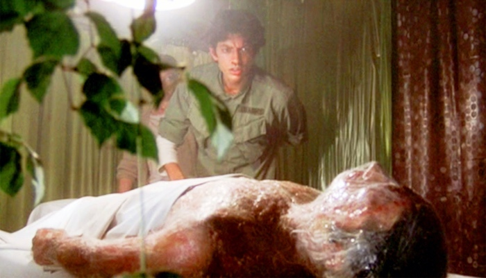 Jack discovers a pod people in Invasion of the Body Snatchers 1978