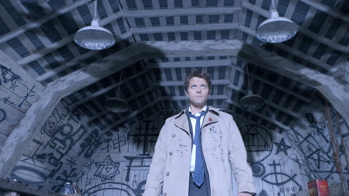 Castiel with his wings in Supernatural season 4