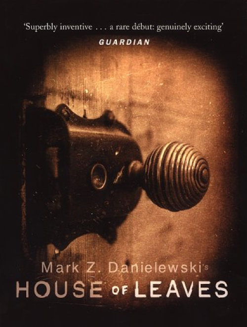 book cover House of Leaves by Mark Z Danielewski 2000
