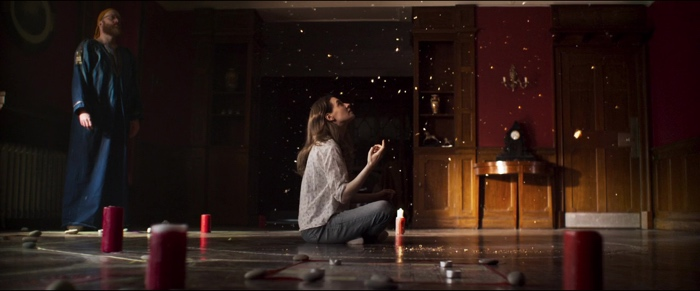 Sophia and Joseph performing a ritual in A Dark Song 2016