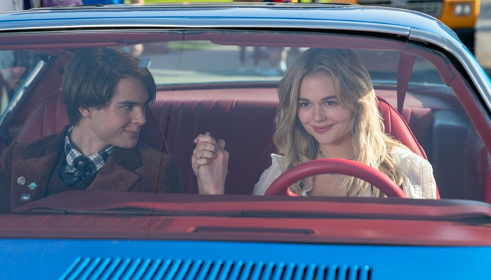 Cole and Melanie in the car as best friends in The Babysitter Killer Queen 2020